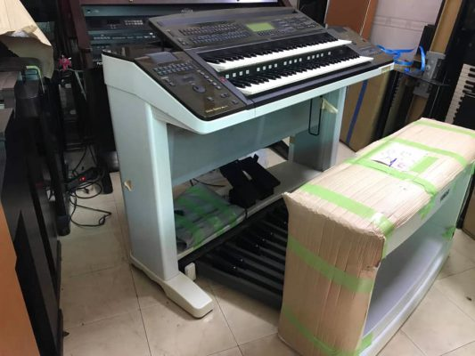 Dan Electone Yamaha